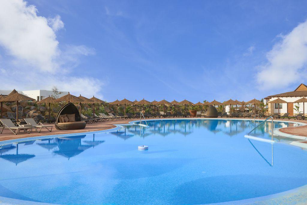 H tel meli llana beach resort spa 5 sal cap vert for Reservation hotel dans le monde