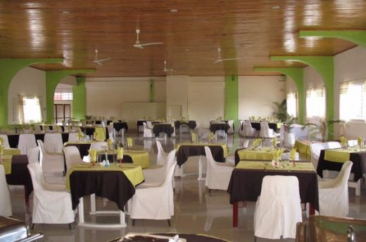 madagascar-antsirabe-hotel-les-thermes-restaurant